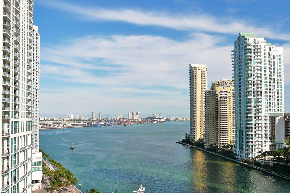 1280px-Mouth_of_Miami_River_20100211-2e7b860a2a