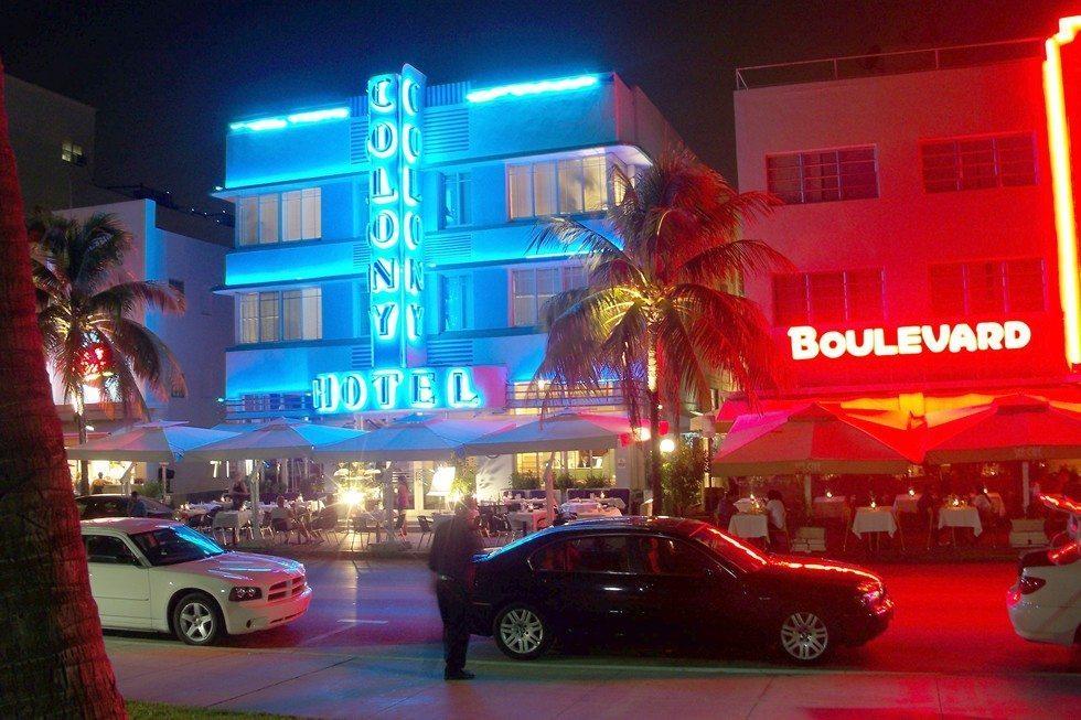 Colony_Hotel_Miami_Beach_Izzy-aa373c3cfc
